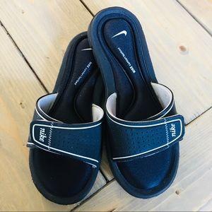 Nike Women's Black Comfort Slide Sandals